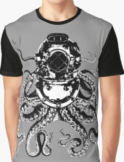 Octopus in a diving helmet Graphic T-Shirt