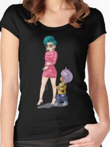 Shopping Women's Fitted Scoop T-Shirt