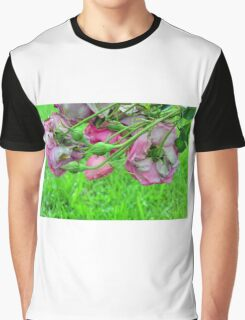 Pink roses in the garden. natural background. Graphic T-Shirt