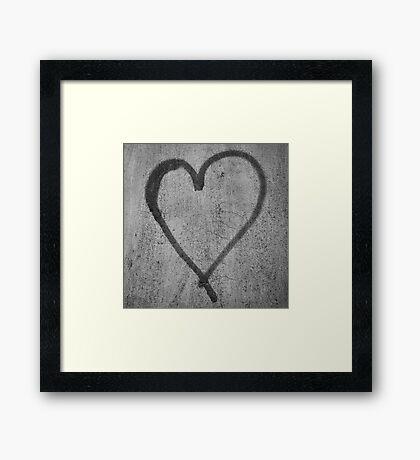 Graffiti heart Framed Print