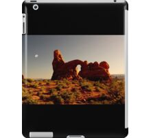 Turret Arch at sunset. iPad Case/Skin