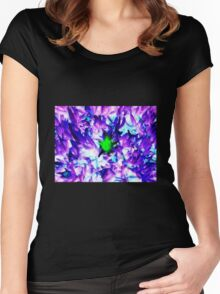 MIDDLE FLOWER Women's Fitted Scoop T-Shirt