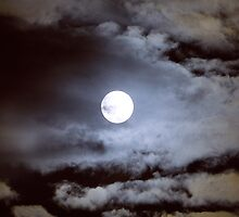 Moody Moon by CiaoBella
