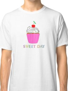 A cupcake for a sweet day! Classic T-Shirt