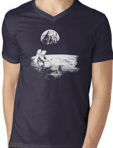 Astronaut zen garden Mens V-Neck T-Shirt