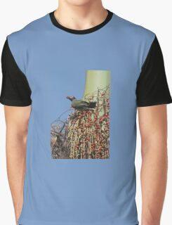 A male fig bird Graphic T-Shirt