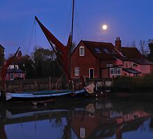 Full Moon on the The Quay   by James  Key