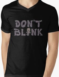 "Doctor Who ""Don't Blink"" Mens V-Neck T-Shirt"