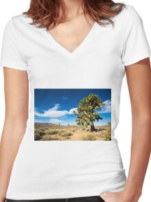 Lonely Joshua Tree Women's Fitted V-Neck T-Shirt