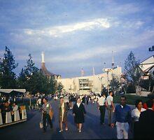 Enjoying the Worlds Fair by John Schneider
