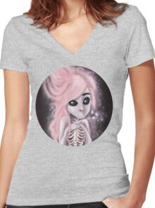 aliena skeleton Women's Fitted V-Neck T-Shirt