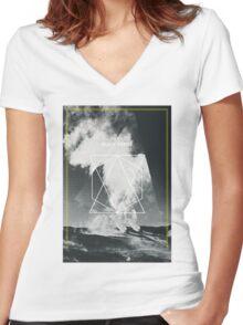 Black Dunes Women's Fitted V-Neck T-Shirt