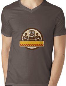 Train Engineers Arms Crossed Diesel Train Circle Retro Mens V-Neck T-Shirt