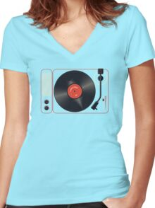 """The Song That Goes """"Na Na Nana"""" Women's Fitted V-Neck T-Shirt"""
