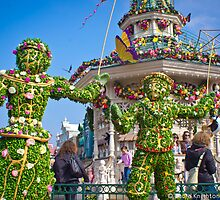 Disneyland Paris Spring Topiary - Jane and Michael Banks by ThatDisneyLover