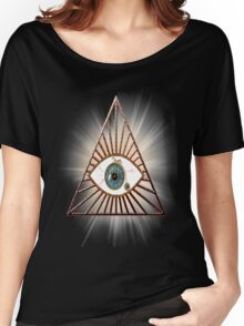 The eye that sees everything illuminati pyramids Women's Relaxed Fit T-Shirt