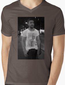 Ryan Gosling wearing a shirt of Macauley Culkin wearing a shirt of Ryan Gosling wearing a shirt of Macauley Culkin Mens V-Neck T-Shirt