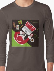 Santa inputs his naughty or nice list  Long Sleeve T-Shirt
