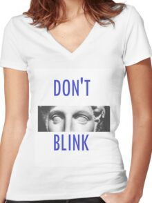 Doctor Who Weeping Angels DON'T BLINK!  Women's Fitted V-Neck T-Shirt