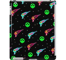 Alien Zap iPad Case/Skin