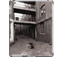 Black and White Alley iPad Case/Skin