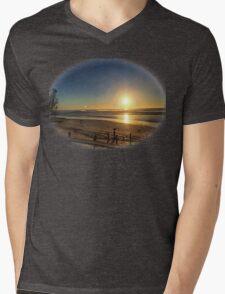 Beachset Sunview Mens V-Neck T-Shirt