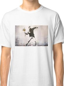 Banksy 'flower thrower' graffiti art. Classic T-Shirt