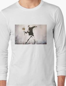 Banksy 'flower thrower' graffiti art. Long Sleeve T-Shirt