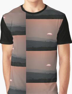 Setting Sun over Fahan, Donegal,Ireland.  Graphic T-Shirt