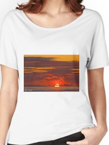 Sunset Over the Pacific Ocean Women's Relaxed Fit T-Shirt