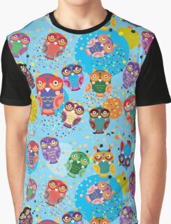 owls on blue background Graphic T-Shirt