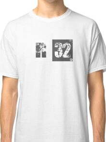 R32 (dark grey) Classic T-Shirt
