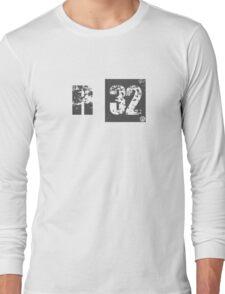 R32 (dark grey) Long Sleeve T-Shirt