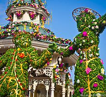 Disneyland Paris Spring Topiary - Mary and Bert by ThatDisneyLover