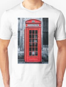 London - Telephone booth alone T-Shirt