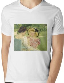 Mary Cassatt - In The Garden. Mother with kid portrait: cute girl, mother and daughter,  Garden, girly, headdress, beautiful dress, lovely family, mothers day, memory, mom mum mam, face with hairs Mens V-Neck T-Shirt
