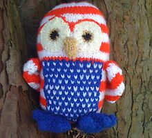 Stars and stripes owl in tree by WhiteFairy