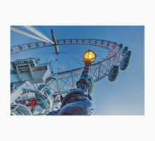 The London Eye and Street Lamp One Piece - Short Sleeve