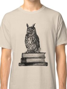 Library owl  Classic T-Shirt