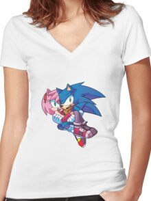 Sonic Boom - Sonic & Amy Rose Women's Fitted V-Neck T-Shirt