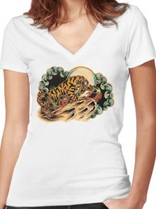 Tiger x Snake (Battle Royale) Women's Fitted V-Neck T-Shirt