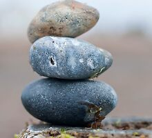 Stacked pebbles by thommoore