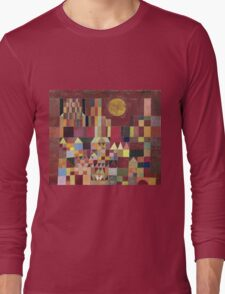 Paul Klee - Castle And Sun. Abstract painting: abstract art, geometric, Castle , composition, lines, forms, Sun, spot, shape, illusion, fantasy future T-Shirt