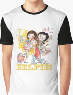 Let´s go out for a selfie... Graphic T-Shirt