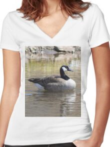 Goose Women's Fitted V-Neck T-Shirt