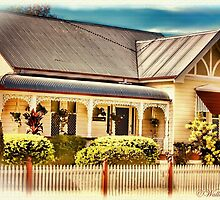 Australian Cottage Collection: Alice by wallarooimages
