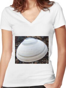 shell Women's Fitted V-Neck T-Shirt
