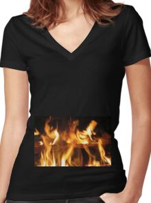 At the fireside Women's Fitted V-Neck T-Shirt