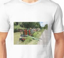 Narrow Boat on the Kennet and Avon Canal, Wiltshire, UK Unisex T-Shirt
