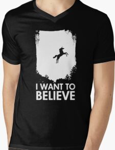 I Want To Believe In Unicorns Mens V-Neck T-Shirt